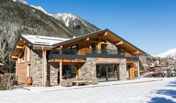 Luxury four-bedroom chalet in Chamonix