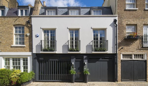 Four-bedroom mews house in Bayswater