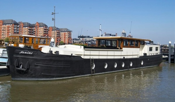 Three-bedroom houseboat in Battersea
