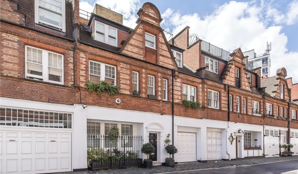 Luxurious mews house in London