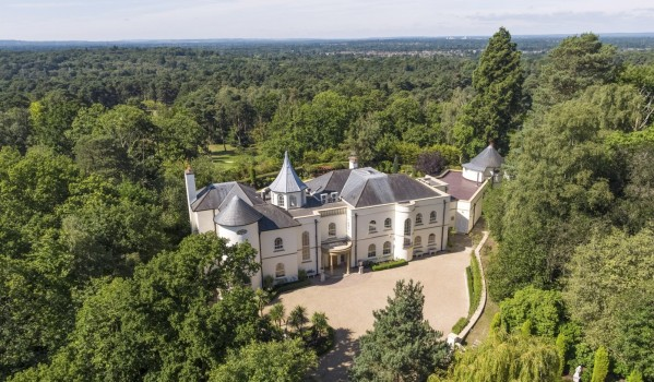 Mansion in St.Georges Hill