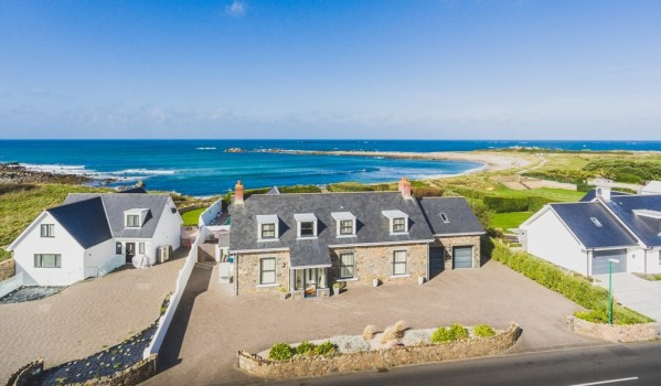 Four-bedroom detached house on the seafront in Guernsey