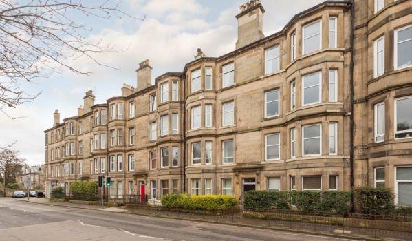 Two-bedroom flat in Edinburgh