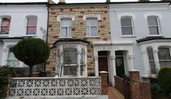 Three-bedroom terraced house in Stoke Newington