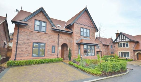Four-bedroom detached house in Stainburn