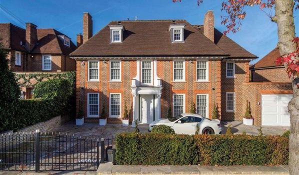 Seven-bedroom property in Hampstead Garden Suburb