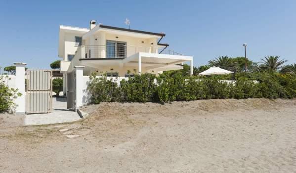 Five-bedroom detached house in Terracina