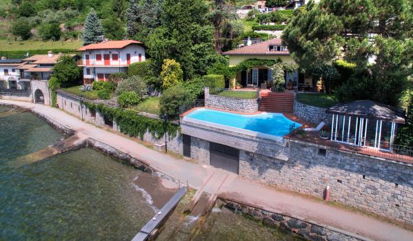Six-bedroom villa in Gera Lario