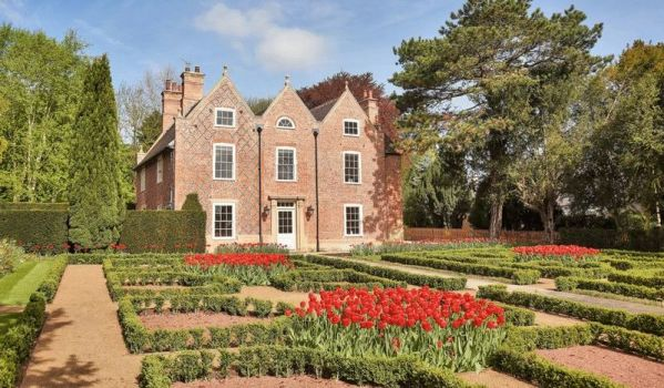 Four-bedroom detached house in Southwell