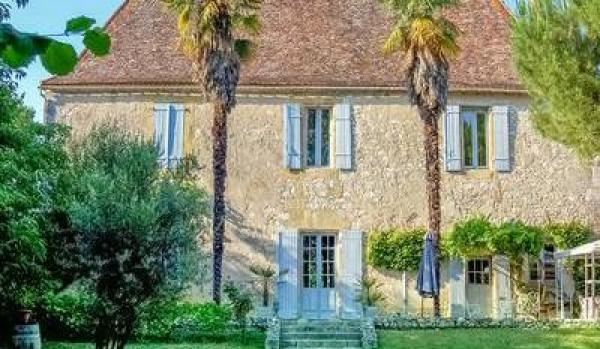 Eight-bed property in Bergerac