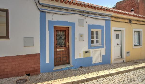 Two-bedroom townhouse in Silves