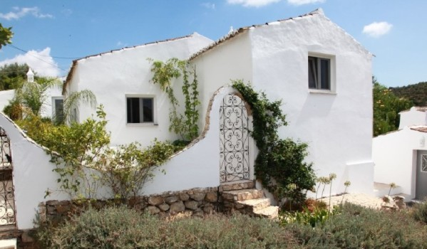 Three-bedroom farmhouse in Estoi
