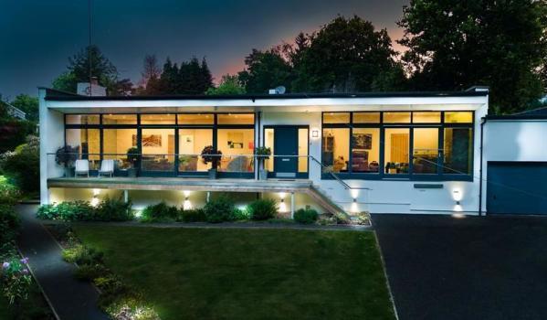 Five-bedroom detached bungalow in Chaldon