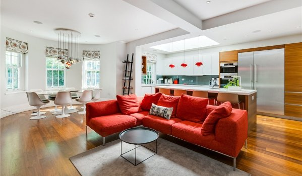 Six-bedroom detached house in St John's Wood for rent