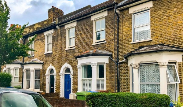 Two-bedroom terraced house in East Dulwich