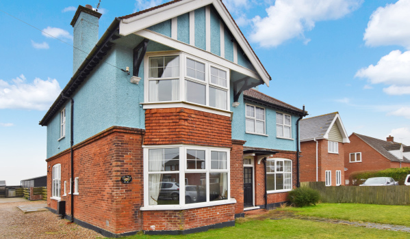 Seven-bedroom detached house in Mundesley