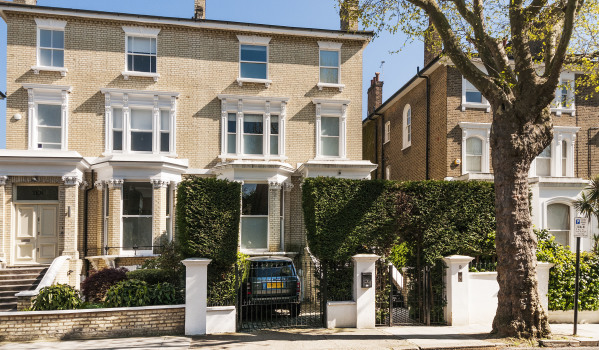 Three-bedroom semi-detached house in Belsize Park