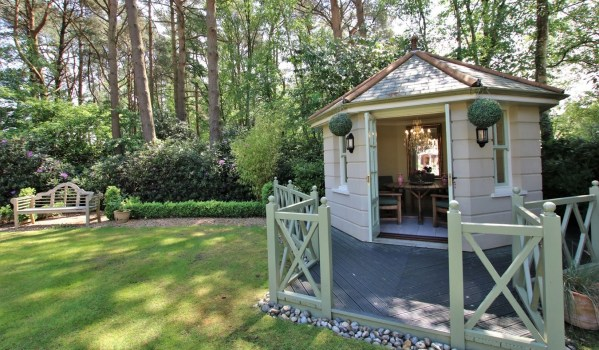 Five-bedroom detached house in Ashley Heath with a summerhouse