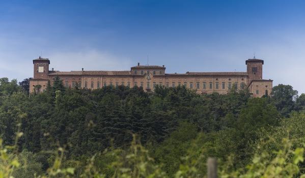 10-bedroom castle for sale near Milan