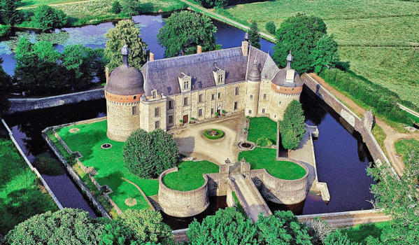 Six-bedroom castle for sale in Gueret
