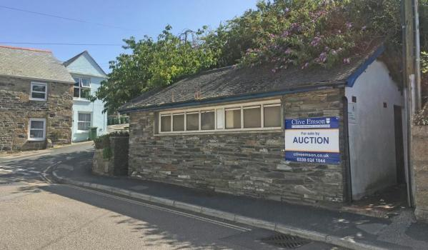 Fabulous Cornish Public Loo With Sea View To Go Under The Hammer Zoopla Home Interior And Landscaping Palasignezvosmurscom