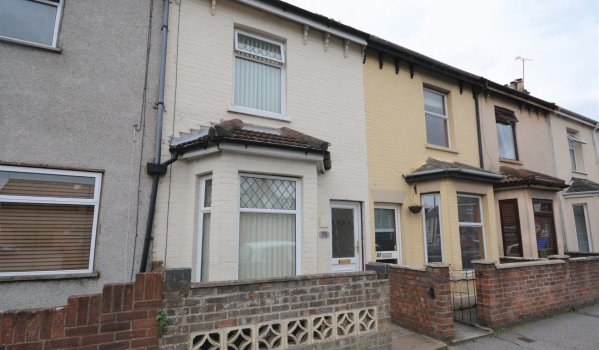 Three-bedroom terraced house in Lowestoft