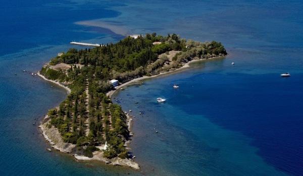Island in the Gulf of Euboea