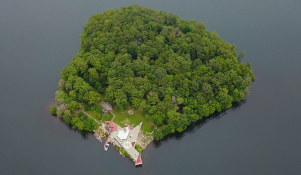 Island in Lake Mahopac with Frank Lloyd Wright houses
