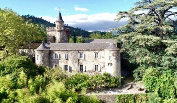 12-bedroom castle in Anduze