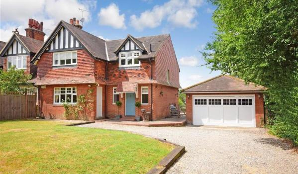 Semi-detached house in Waltham Abbey, Essex