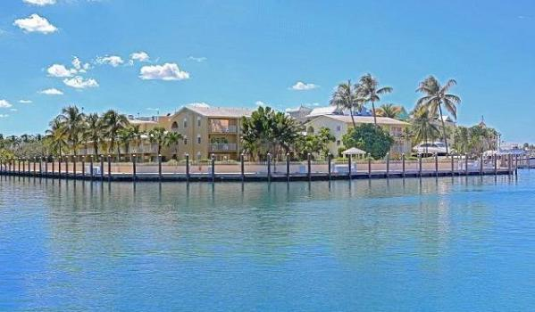 Hotel in Paradise Island, The Bahamas, for sale