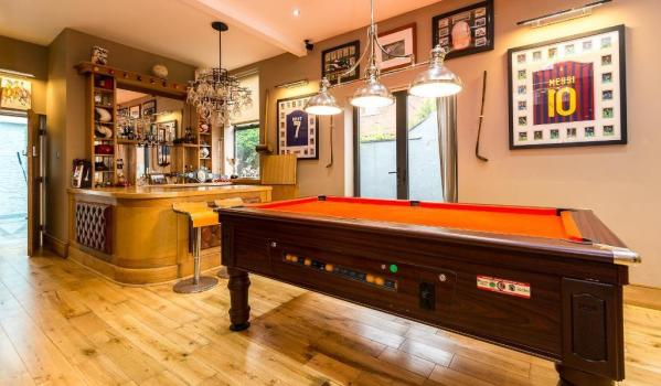 Bar in a four-bedroom detached house in Blackpool