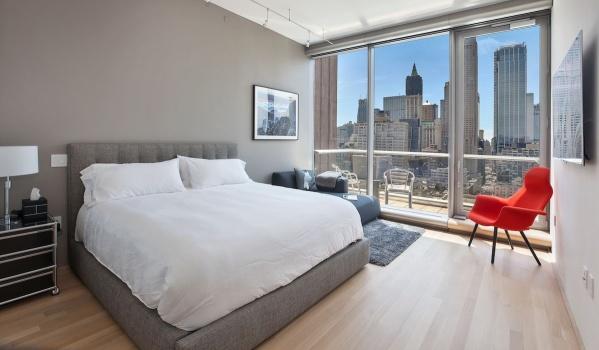 Two-bedroom apartment on Leonard St