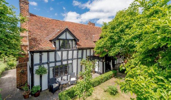 Three-bedroom detached cottage in Weeley