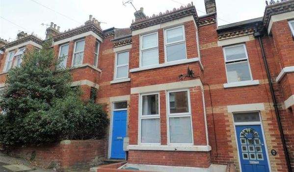 Three-bedroom terraced house in Portland for £195,000
