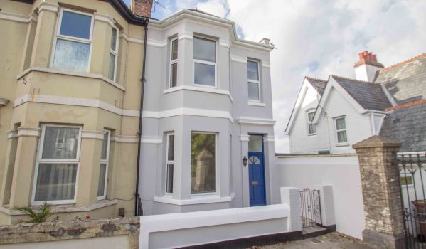 Three-bedroom end terrace house in Plymouth for £200,000