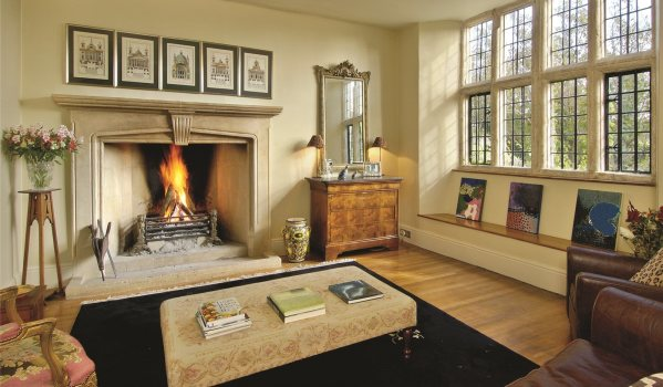 A Grade Ii Listed Manor House Needs To Have Suitably Grand Fireplaces And This Historic Home Contains Several It Was Built In The 16th 17th Century