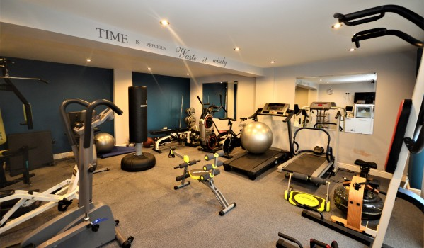 5 homes with built in gyms for sale zoopla