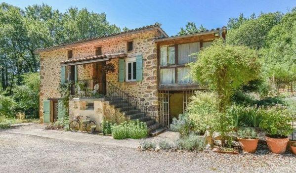 Two-bedroom cottage in Laguépie