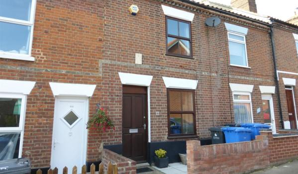Three-bedroom terraced house for £750 pcm
