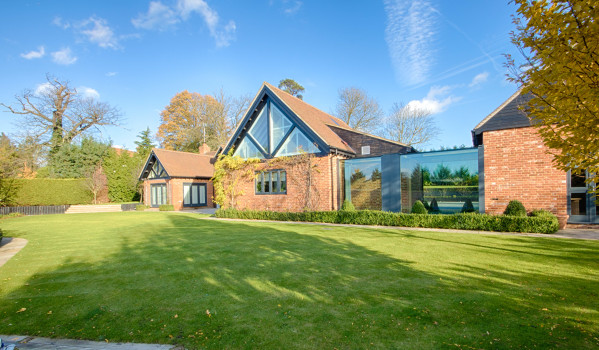 Five-bedroom detached house in Epping