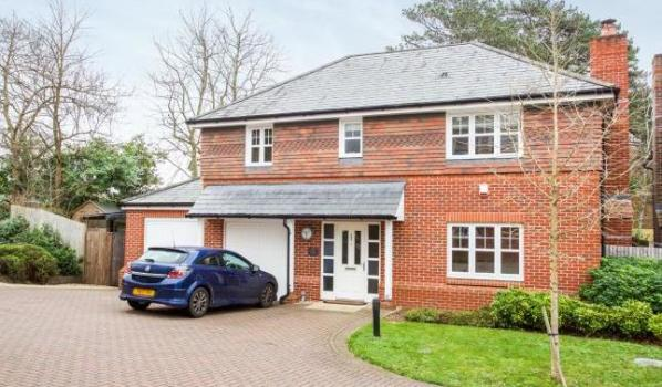 Five-bedroom detached house in Swanwick