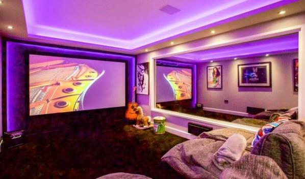 Home cinema room in a five-bedroom detached house in Swanwick