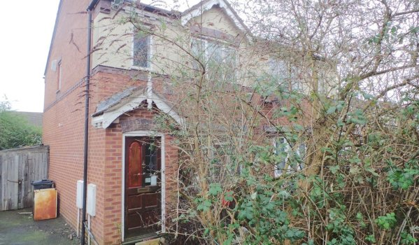 3 bed semi-detached house for sale for £110,000