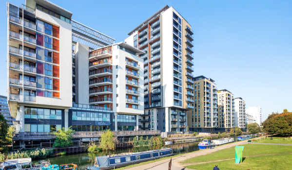 Flats to rent in London by canal