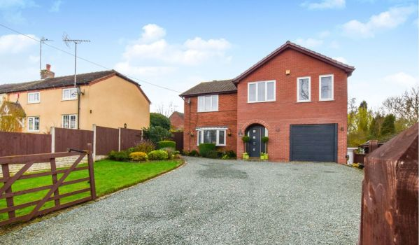 Five-bedroom detached house with an annexe in Bignall End