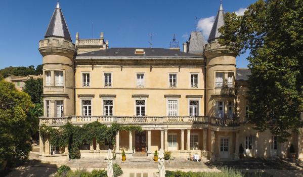 16-bedroom castle in Uzes