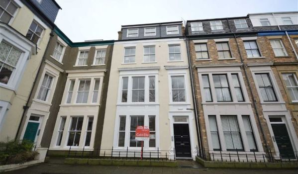 One-bedroom flat for rent in Scarborough