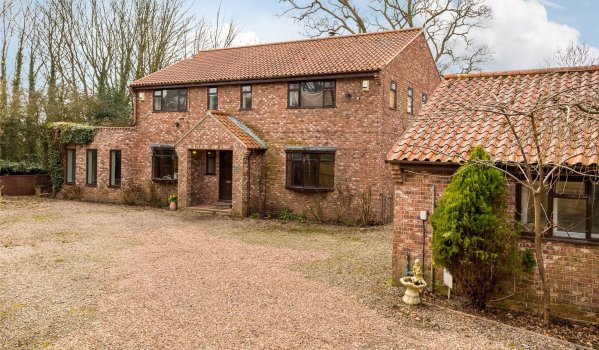 Five-bedroom detached house for sale in York for £750,000