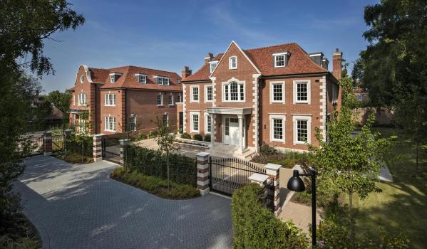 Eight-bedroom new build detached house in Hampstead